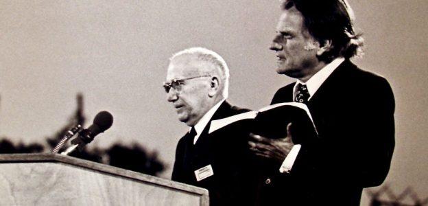 Avec-le-pasteur-Jacques-Blocher-1963-1024x717