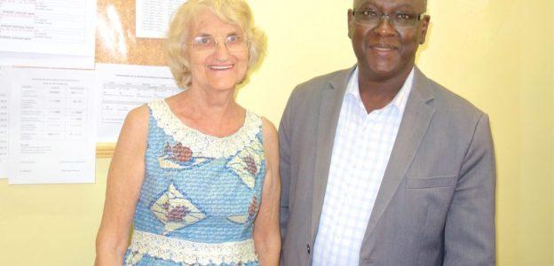 Marie Claire Traoré (directrice du Centre médical de Schiphra) et Alpha Traoré (responsable de la station)